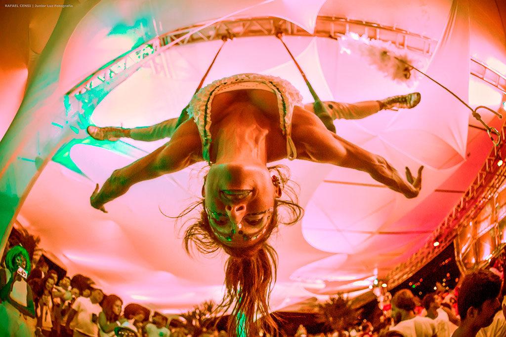 Circo Mágico na Praia do Rosa, Circo Mágico do Bem: espetáculo resgata tradição circense e cultura local, na Praia do Rosa, Virada Mágica